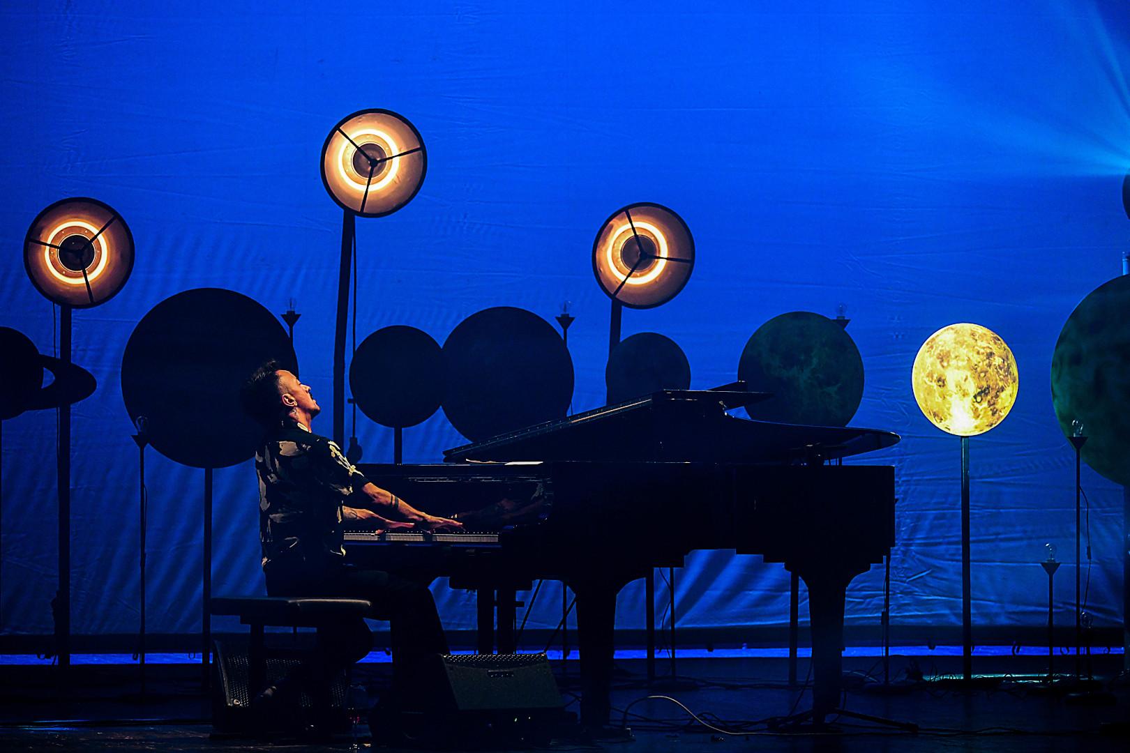 A Lignano, ad agosto, il concerto all'alba di Dardust all'Arena Alpe Adria, dove si esibiranno Leo Gassmann, Samuel, Nina Zilli e Le Vibrazioni