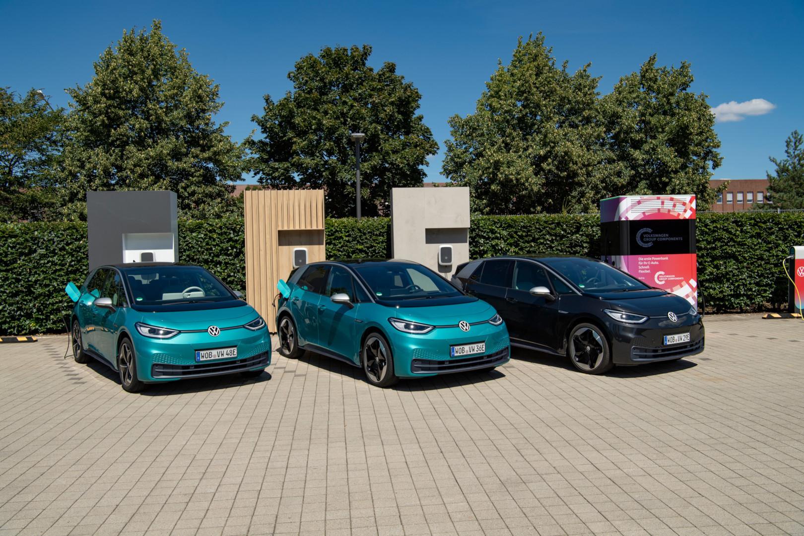 """Volkswagen lancia il servizio di ricarica """"We Charge"""", utilizzabile in oltre 10mila stazioni in Italia"""